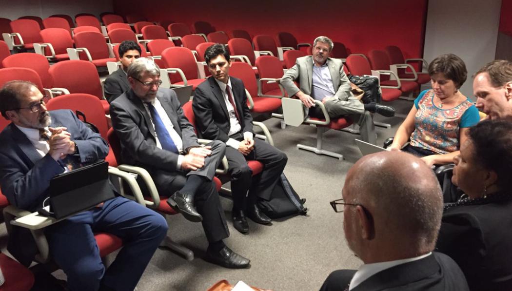 Reitor da Unipampa, Marco Hansen, dirige a primeira reunião da Comissão das Novas Universidades da Andifes após tomar posse como presidente em setembro.