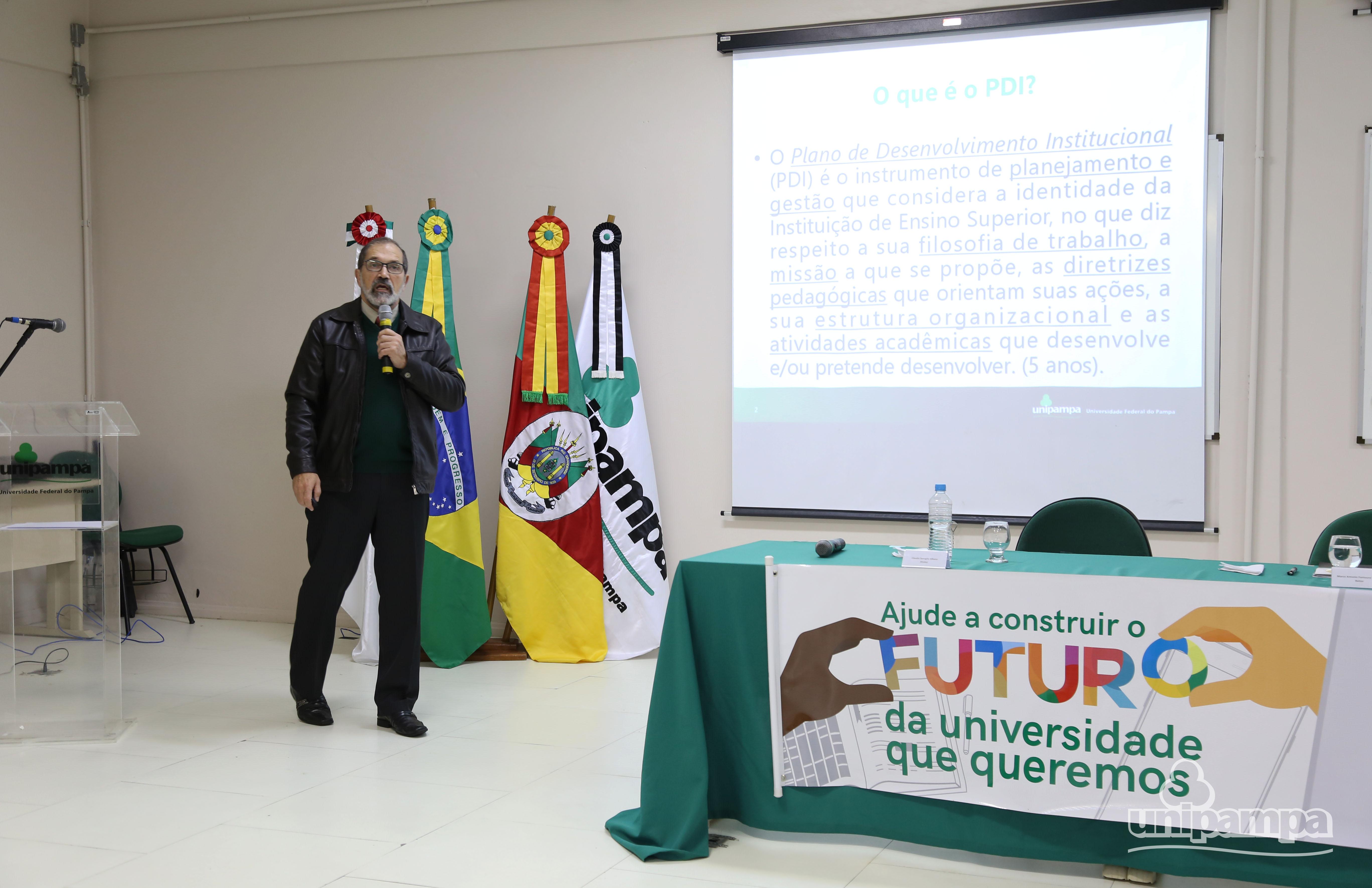 Hansen frisou a importância da participação da comunidade universitária no processo. Foto: Ronaldo Estevam