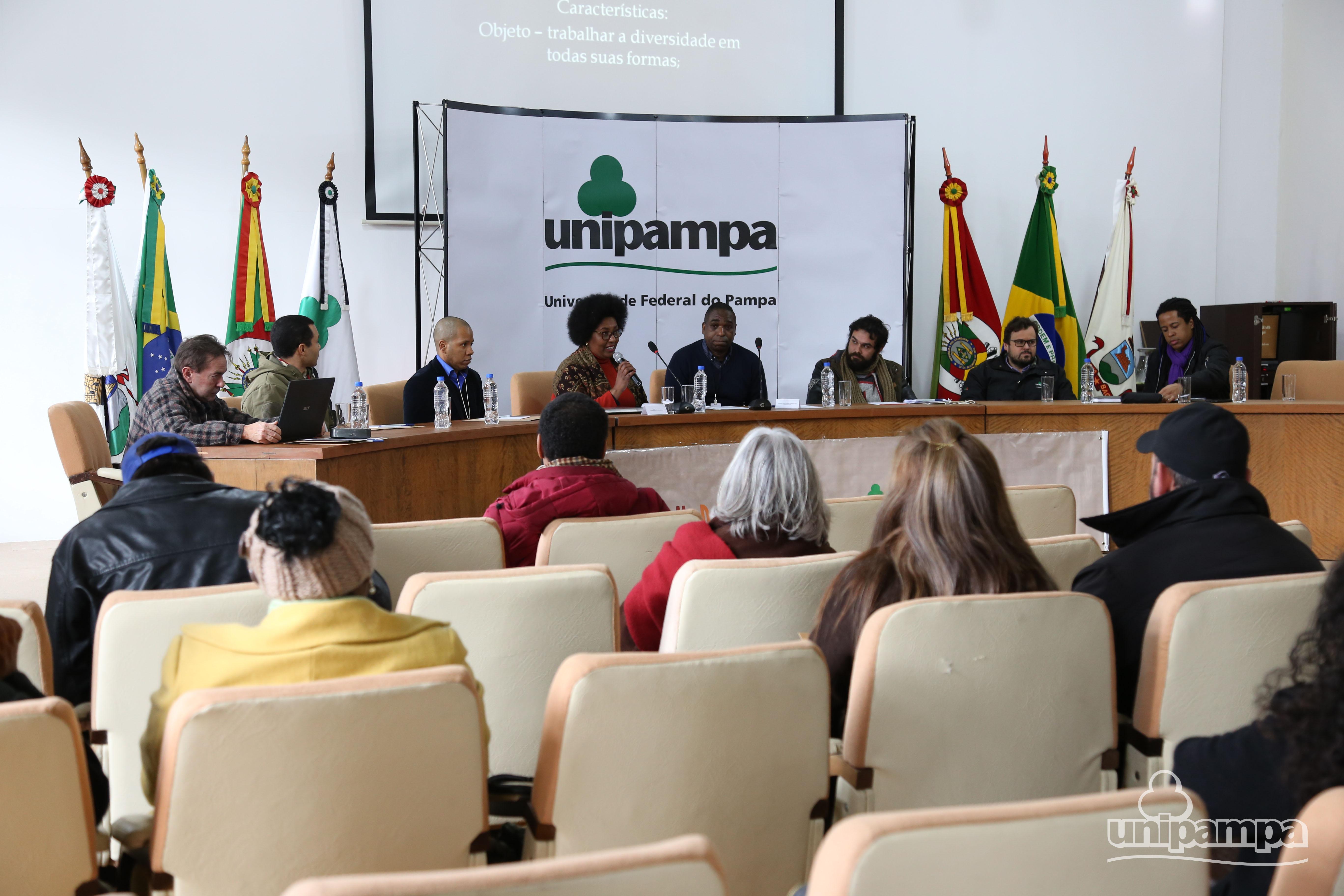 Representantes dos Neabis da Unipampa debatem atividades e perspectivas para os núcleos - Foto Ronaldo Estevam