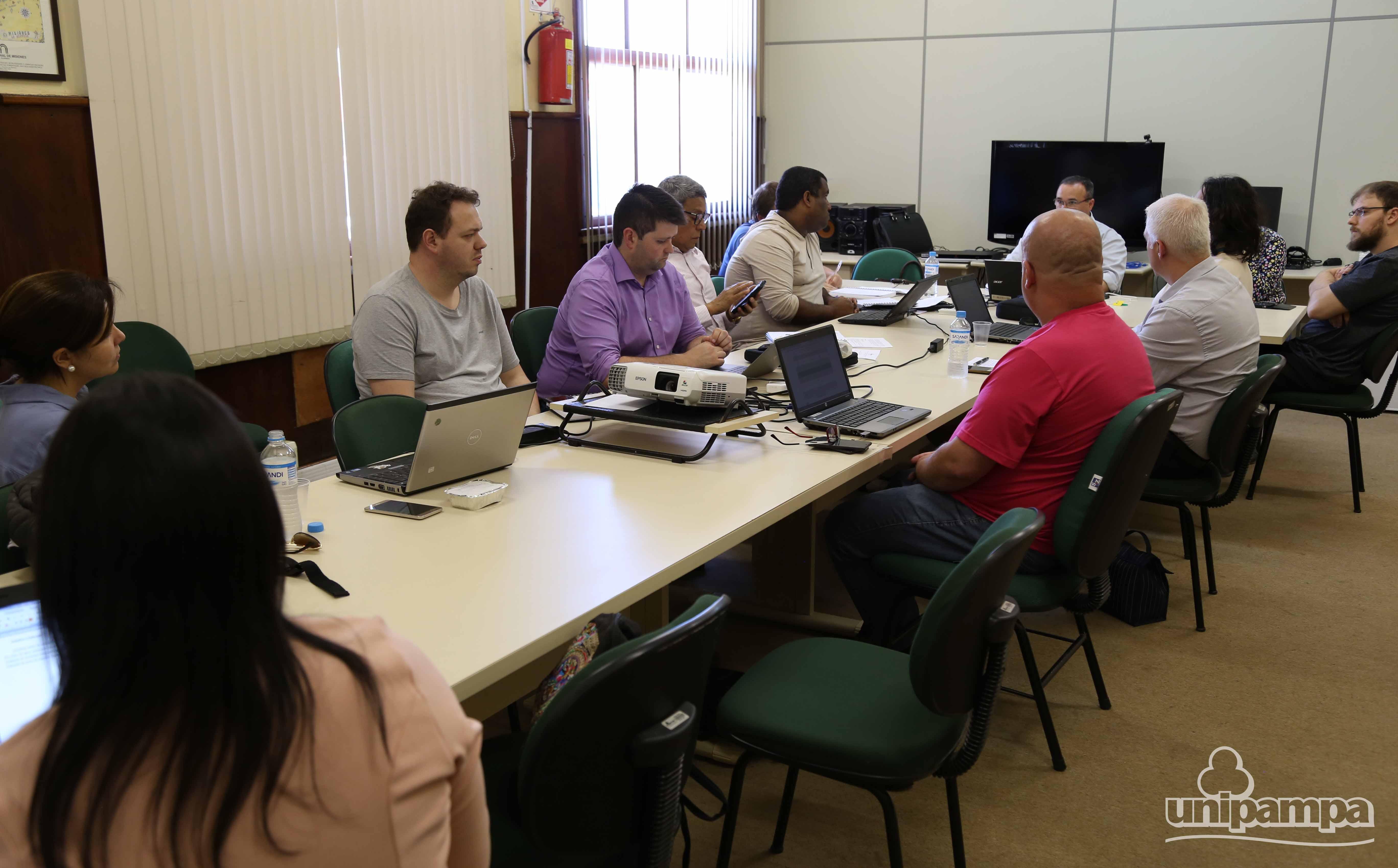 Comissão do PDI se reuniu para definir estratégias para as próximas ações - Foto: Ronaldo Estevam
