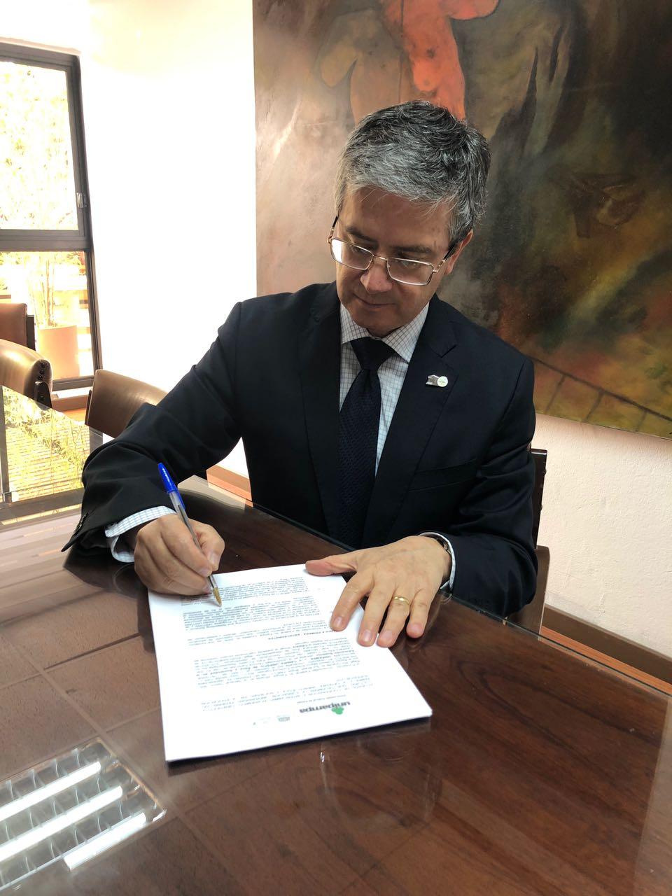 Titular da Cátedra Unesco, Juan Morales Ordóñez