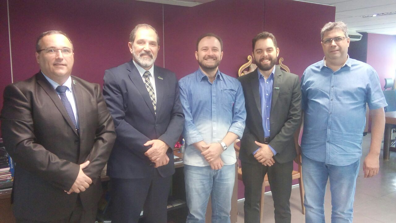 O reitor, Marco Antonio Fontoura Hansen, e o pró-reitor de Planejamento e Infraestrutura, Luís Hamilton Tarragô Pereira Júnior,