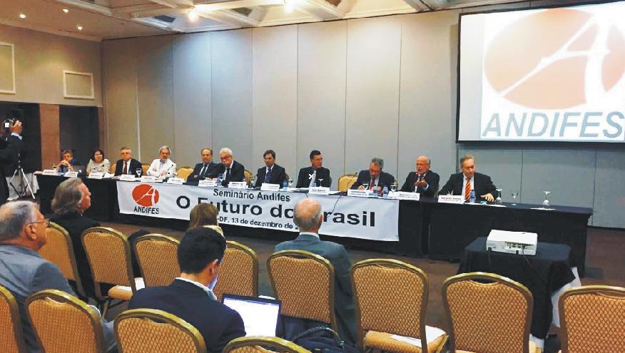 Reitores das universidades federais debateram a situação política, econômica e social no Brasil e no mundo e projetaram cenários