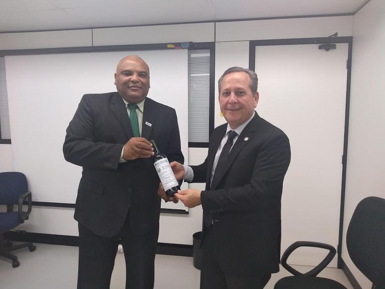 O reitor da Unipampa foi recebido pela equipe do MEC em Brasília