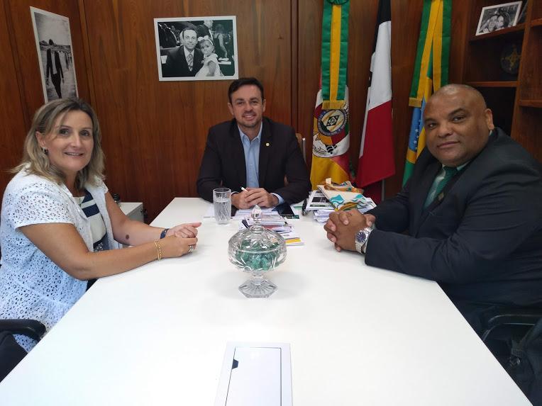 Reitor realiza reunião com o Deputado Federal Maurício Alexandre Dziedricki