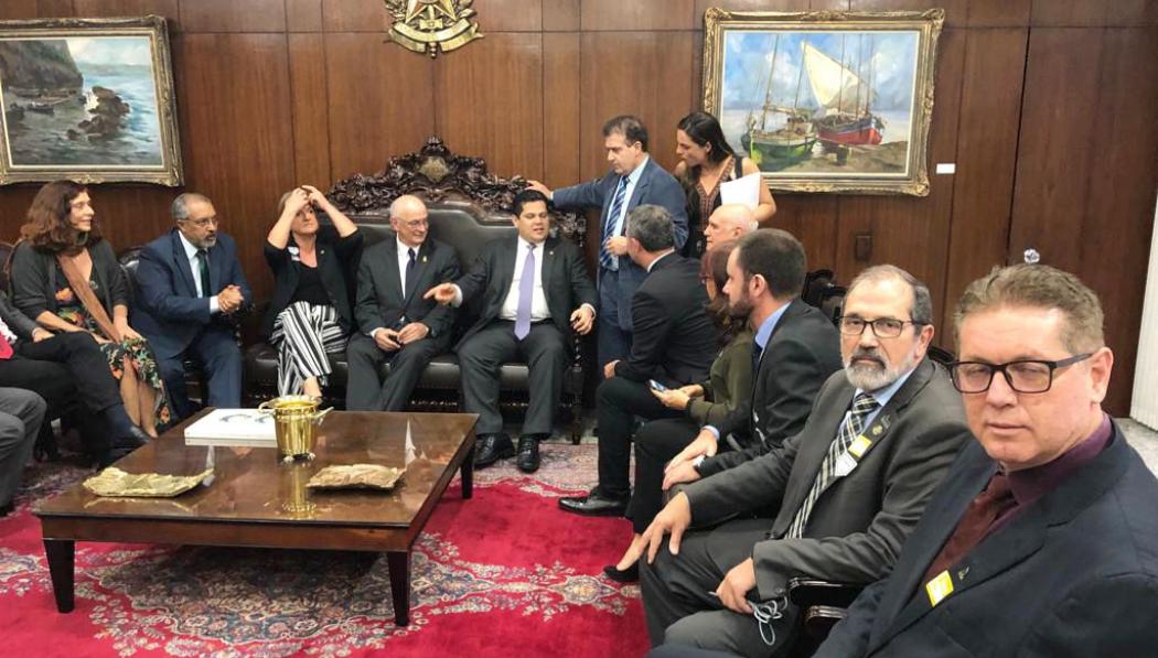 Com o presidente Alcolumbre, do Senado, foi tratada a ampliação dos recursos orçamentários para a Educação.