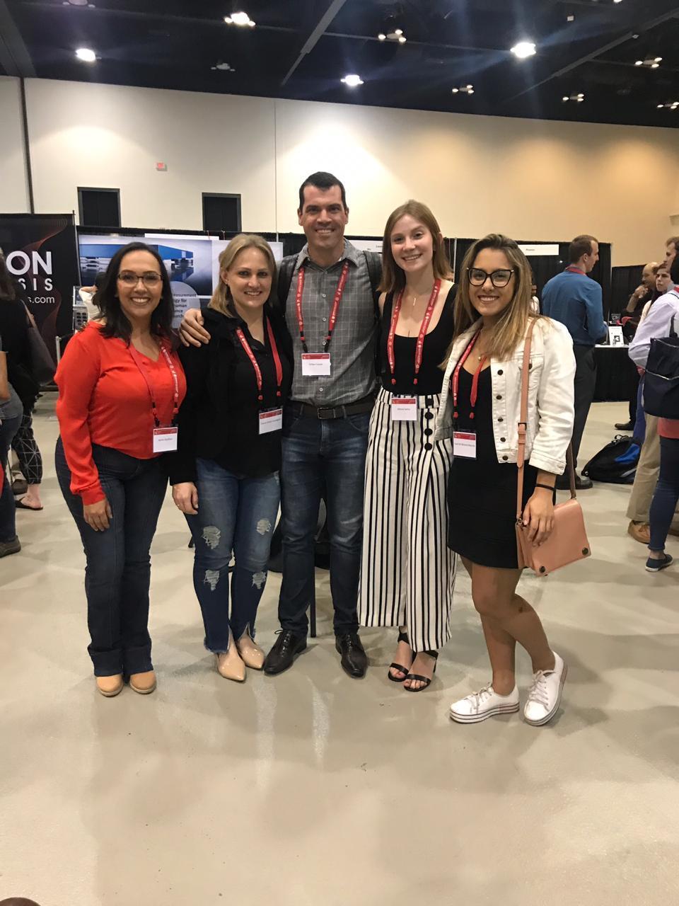 Grupo da Unipampa participou do Congresso no Canadá. Fotos: divulgação