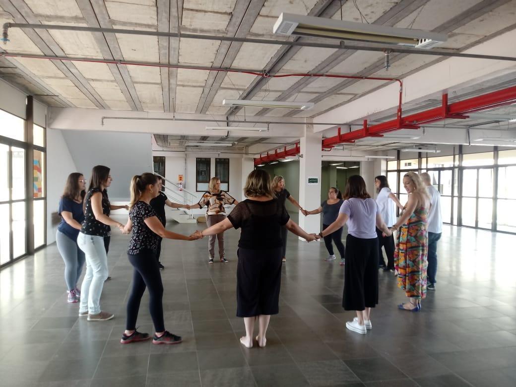 Oficina de Danças Circulares