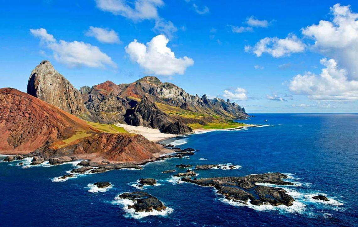 vista aérea da Ilha da Trindade