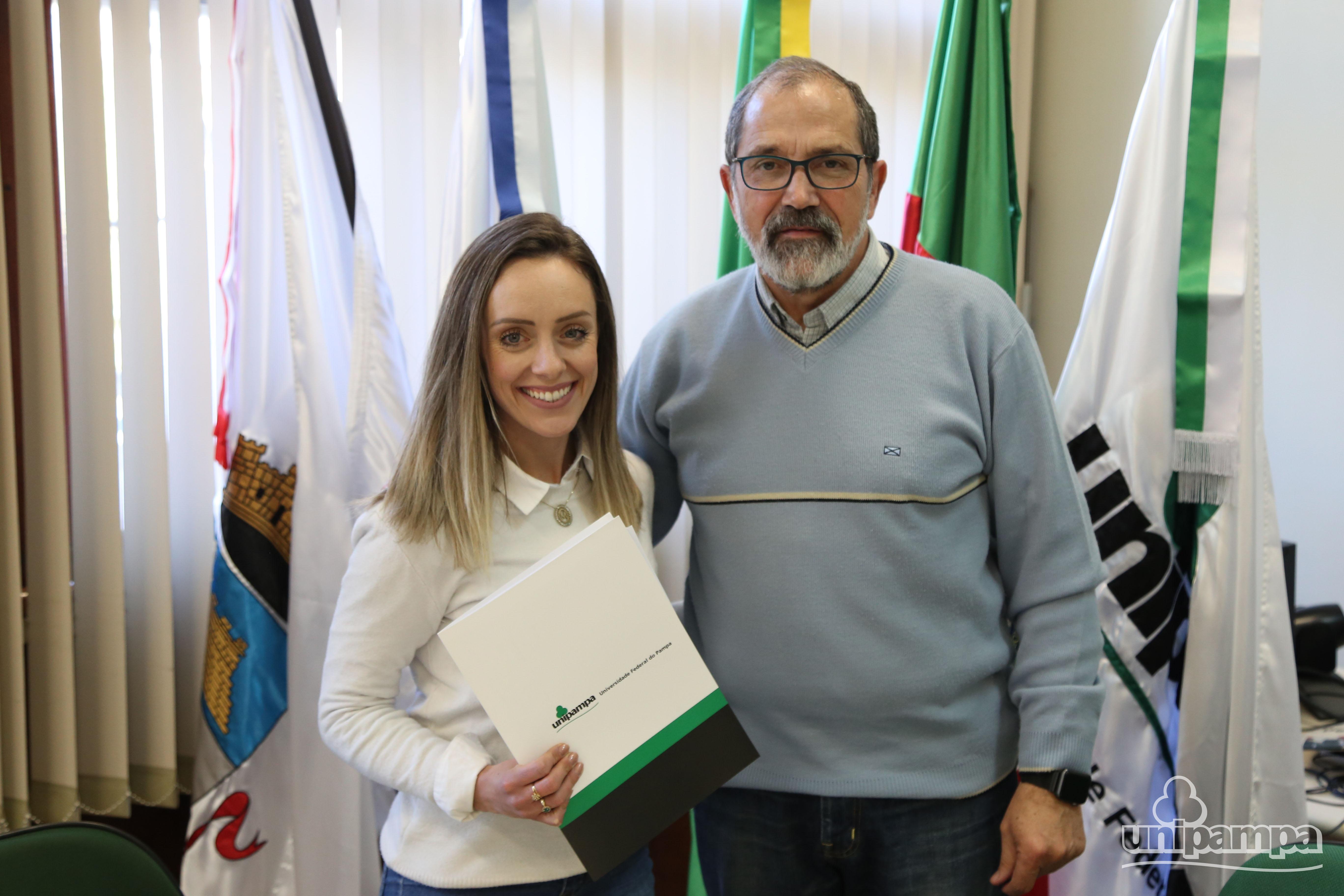 Unipampa recebe novos professores durante cerimônia oficial