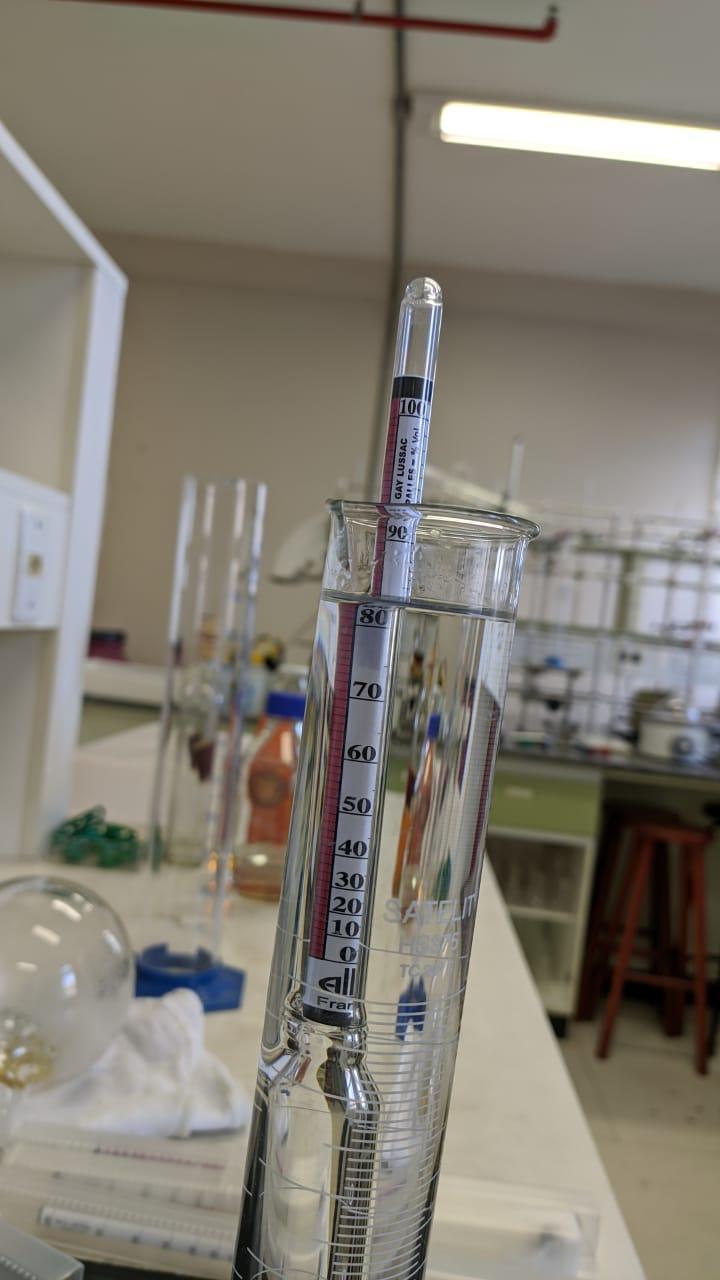 Servidores e laboratórios da Unipampa estão dedicados à produção de álcool para o combate ao coronavírus