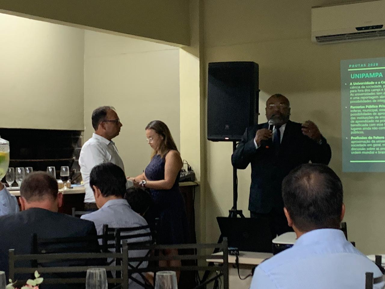 Reitor da Unipampa, Roberlaine Ribeiro Jorge, apresentou tema relacionados à educação superior na 2ª edição do Fronteiras do Sul