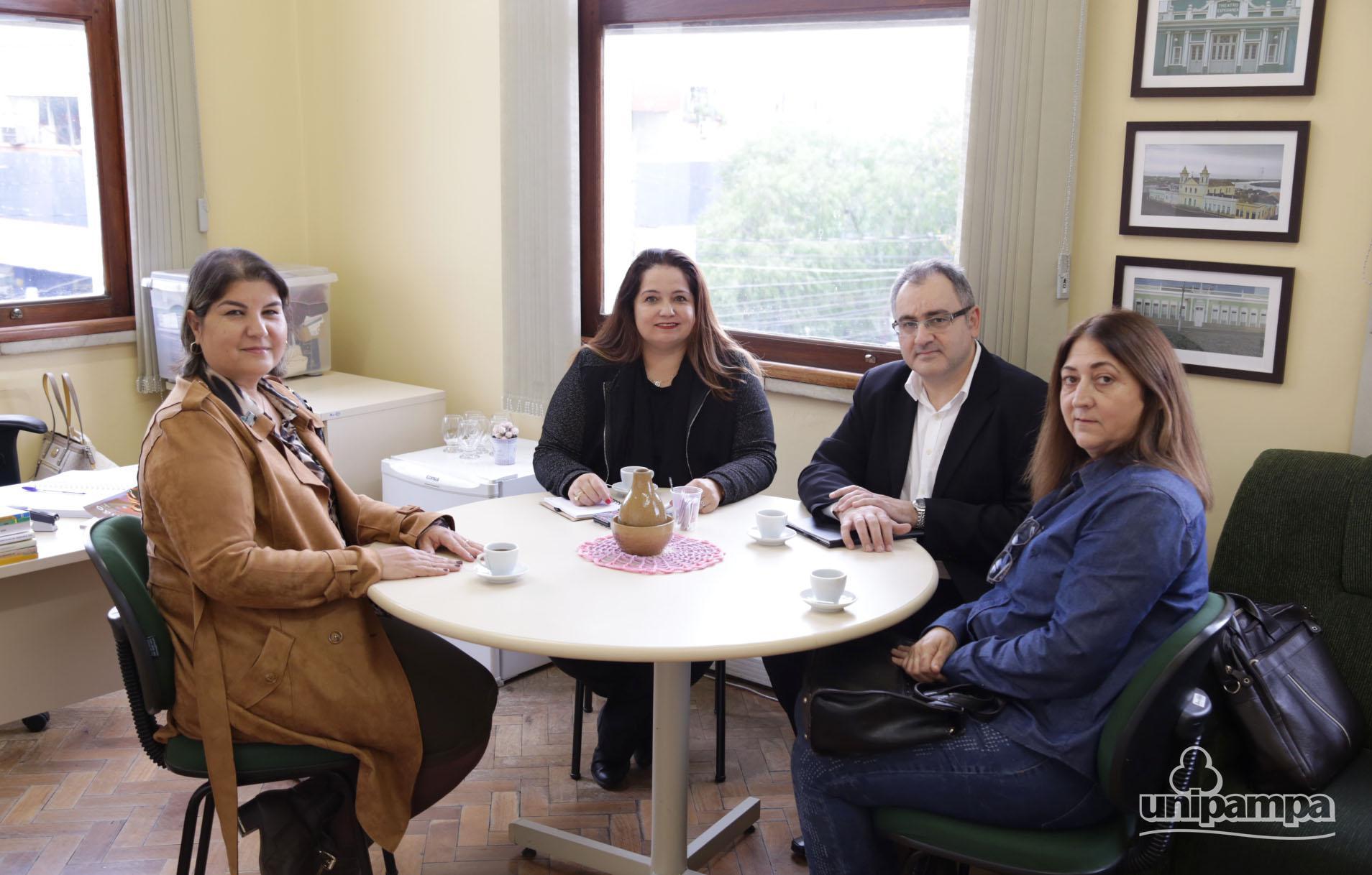 Unipampa e Uergs iniciam conversas para parceria entre as duas instituições